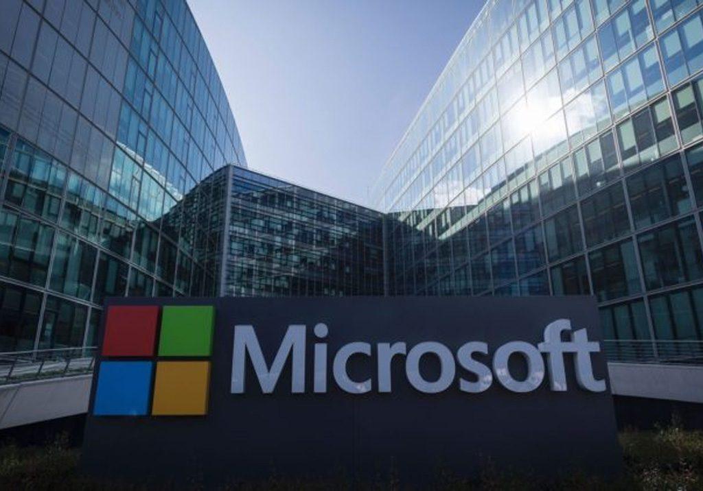 Wywiad z liderem Zarządzania Zmianą. Dowiedz się jak Jak Microsoft wdrożył Change Management i jak rozwijało się Zarządzanie Zmianą.